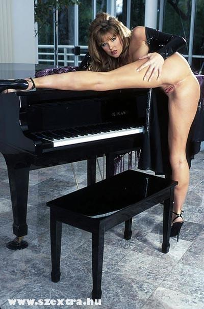 Dugj meg a zongorán!