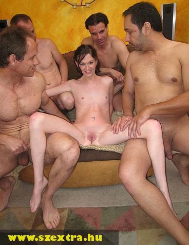Gillt négy férfi fogja megdugni