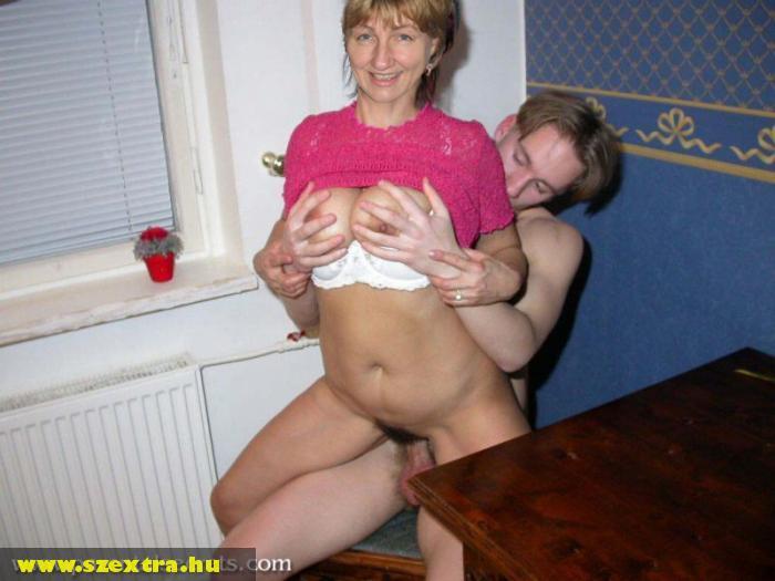 secret-mom-materbating-topless-women-swimming-gifs