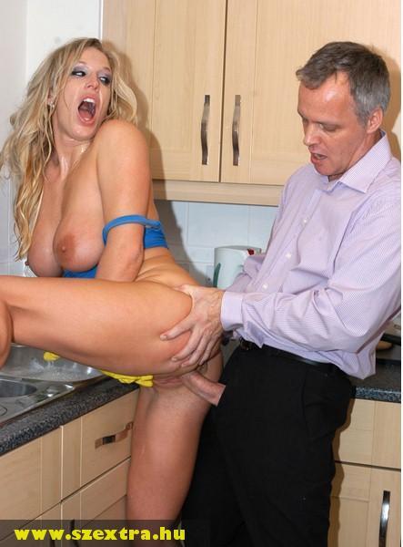 Dugás a konyhában