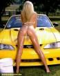 Autómosás bikiniben